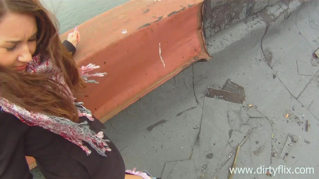 По быстрому дала на крыше