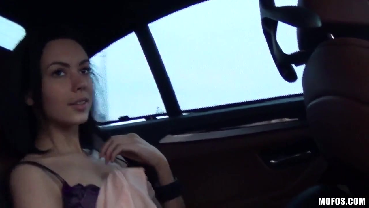 Трахнули девушки из Сибири по дороге в аэропорт